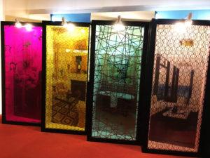 鈦金藝術玻璃與色膜膠合