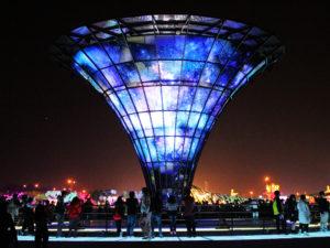 玻璃宇宙塔